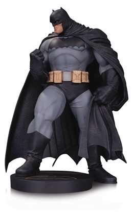 Picture of DC DESIGNER SER BATMAN BY ANDY KUBERT MINI STATUE