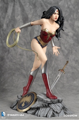 Picture of FFG DC COMICS COLL WONDER WOMAN STATUE