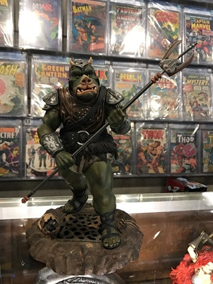 Picture of STAR WARS GAMORREAN GUARD STATUE 1998