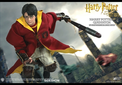 Picture of HARRY POTTER CHAMBER OF SECRETS 1/6 HARRY AF QUIDDITCH VER