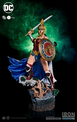 Picture of Wonder Woman Prime Scale Series #2 STATUE