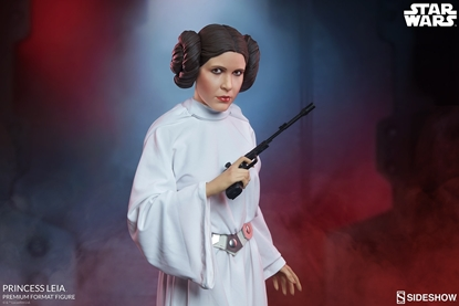 Picture of SIDESHOW PREMIUM FORMAT STAR WARS PRINCESS LEIA STATUE