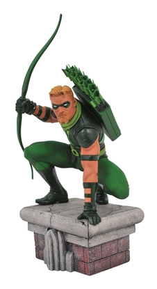 Picture of DC GALLERY GREEN ARROW COMIC PVC FIGURE (C: 1-1-2)