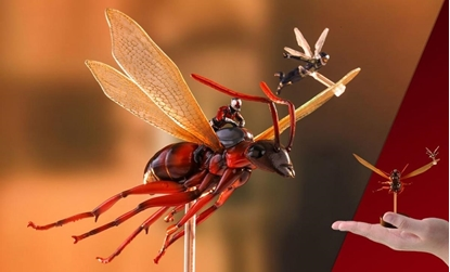 Picture of ANT-MAN ON FLYING ANT & THE WASP MINIATURE COLLECTIBLE SET HOT TOYS NEW IN BOX