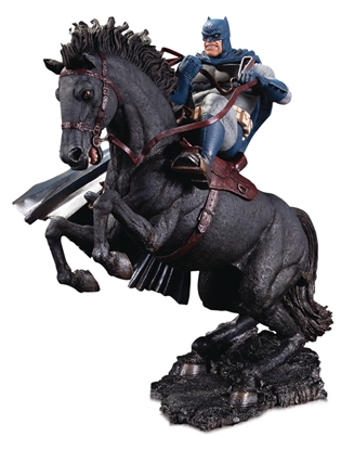 Picture of DARK NIGHT RRETURNS CALL TO ARMS STATUE MINI BATTLE STATUE