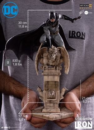 Picture of BATMAN DELUXE 1:10 SCALE IRON STUDIOS STATUE