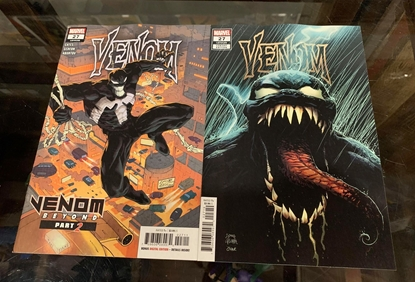 Picture of VENOM #27 1ST PRINT & STEGMAN  VARIANT COVER SET NM