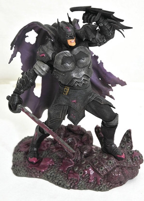 Picture of DC GALLERY COMIC METAL BATMAN PVC STATUE
