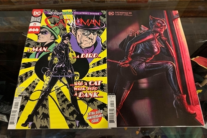 Picture of CATWOMAN #25 CVR A & B 2 COVER SET NM (JOKER WAR)