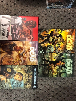 Picture of WALKING DEAD DELUXE #1 COVER A B C D E SET