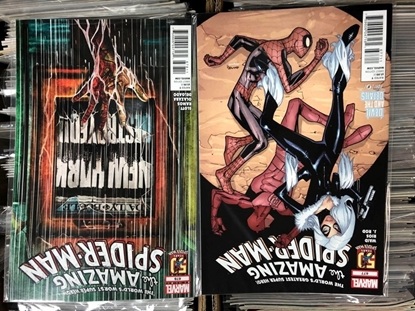 Picture of AMAZING SPIDER-MAN #677 + 679 / DEVIL AND THE DETAILS SET NM