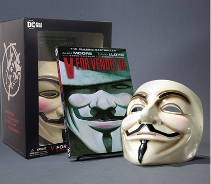 Picture of V FOR VENDETTA BOOK AND MASK SET NEW EDITION (MR)